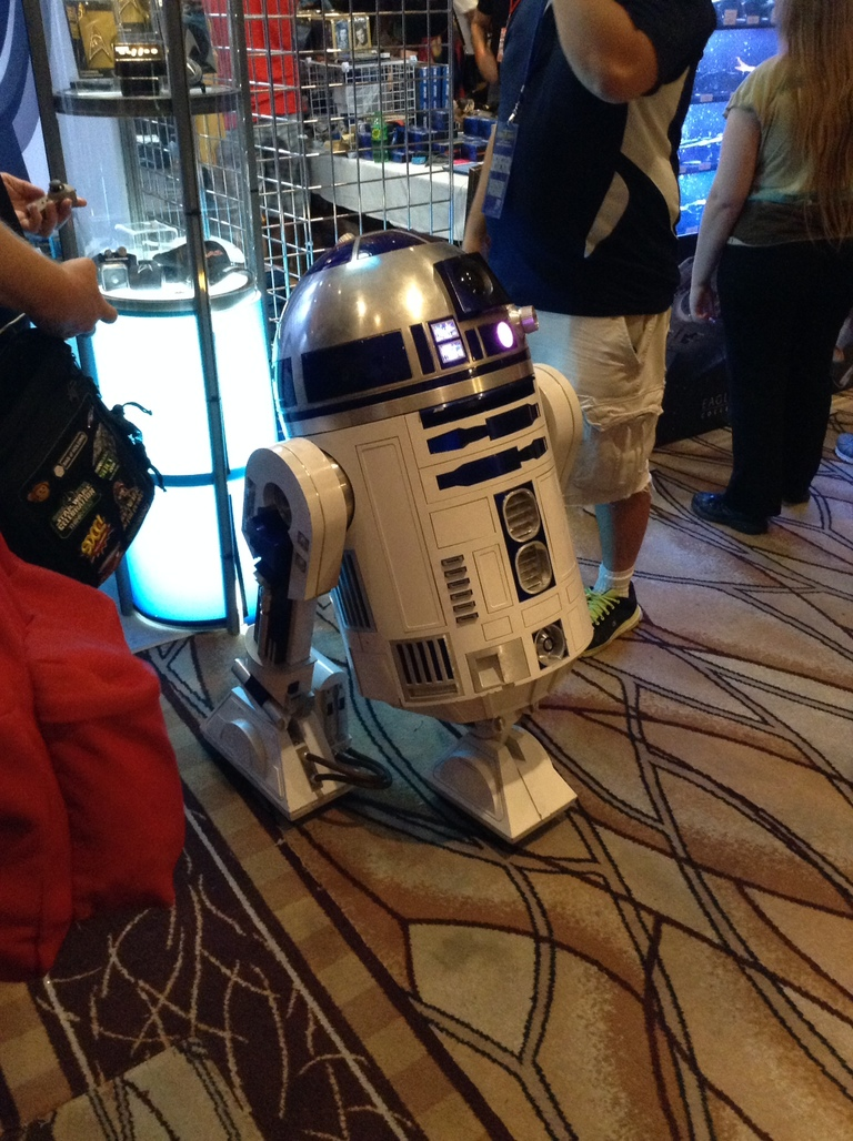 R2D2 at Star Trek 50